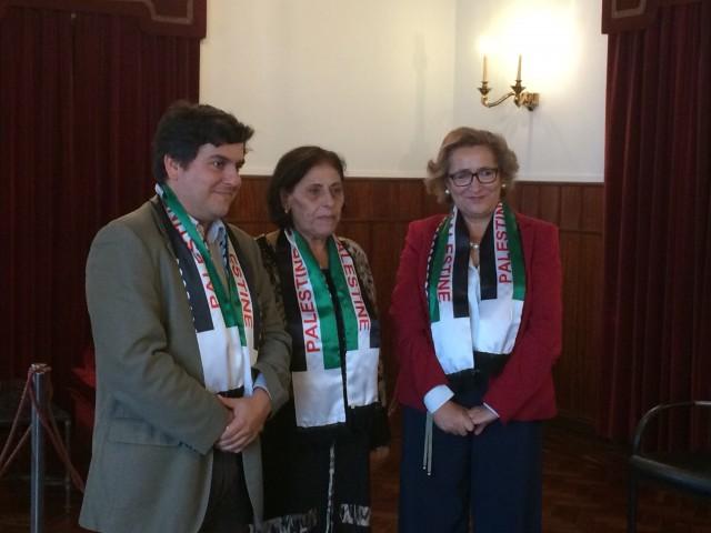 Representante da União Geral das Mulheres Palestinianas recebida em Loures