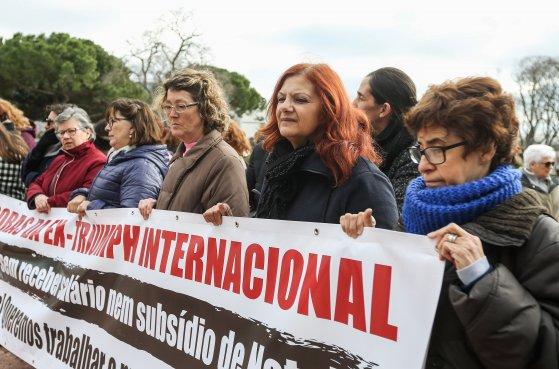 Saudação às mulheres trabalhadoras da Têxtil Gramax Internacional (antiga Triumph)