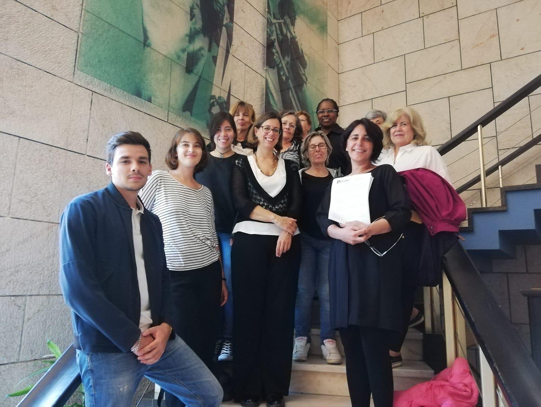 """Petição """"prostituição não é trabalho"""" entregue na Assembleia Municipal de Lisboa"""